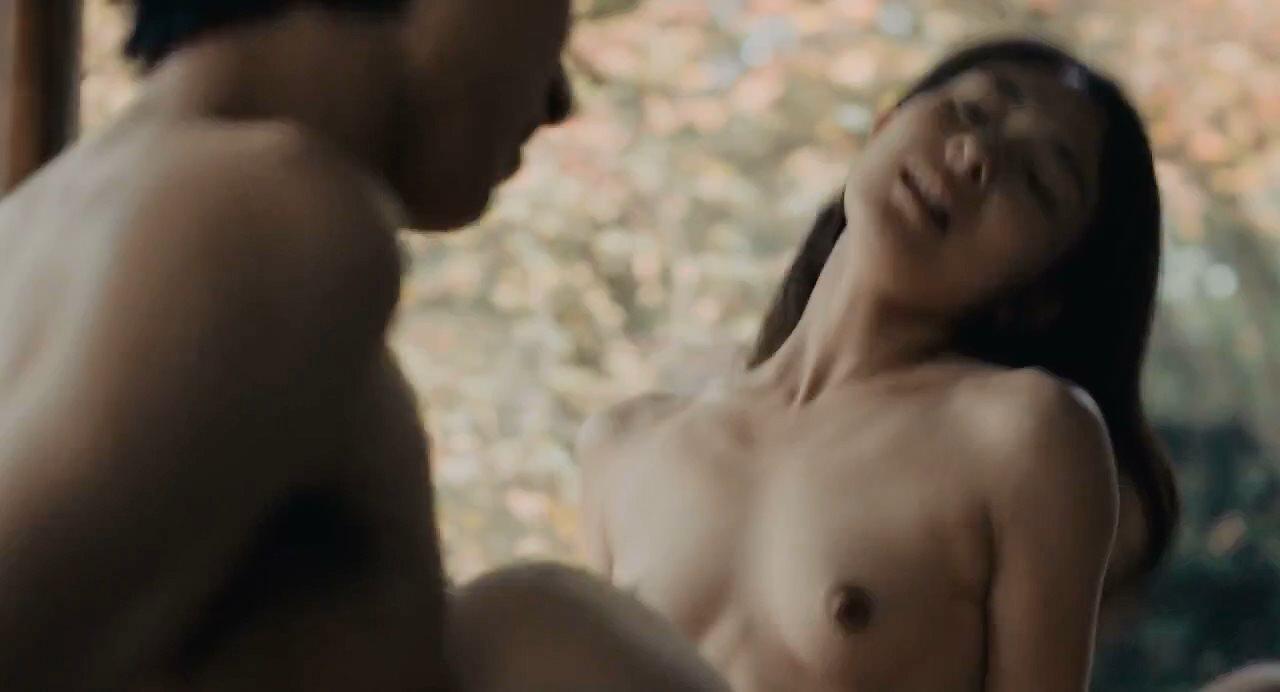 森口彩乃の正常位セックスシーン