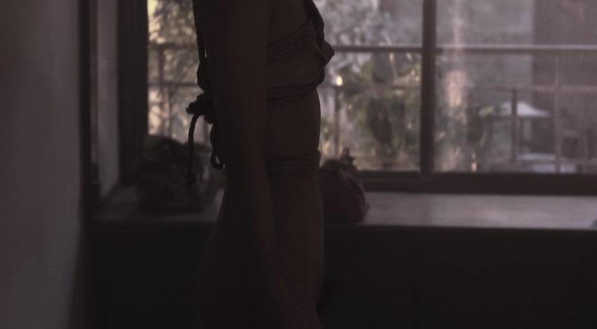 河合龍之介と裸で向かい合う祥子