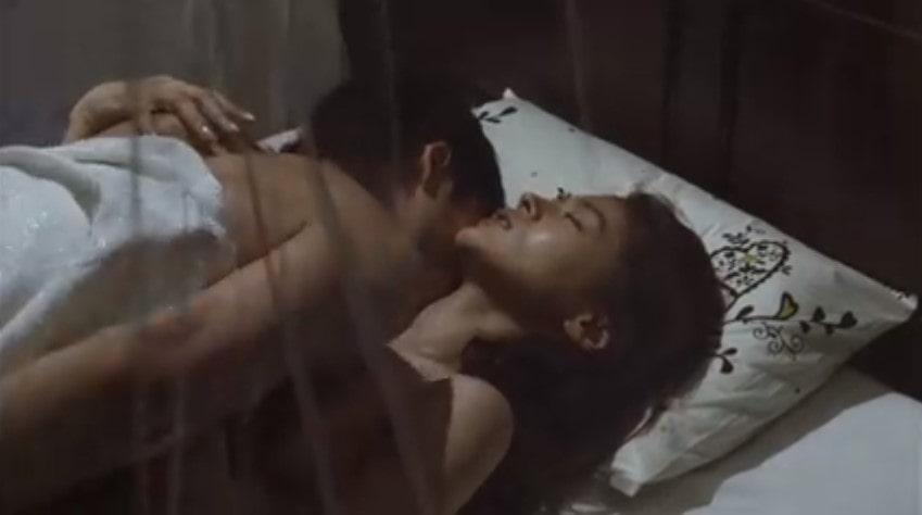 黄川田将也に正常位でピストンされる黒谷友香