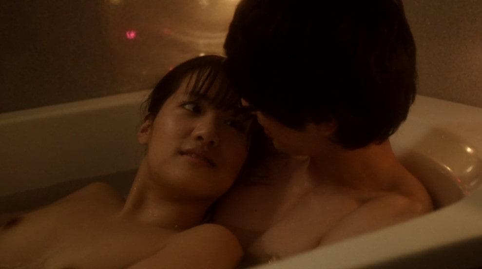湯船でいちゃつく本山奈美と真山明大