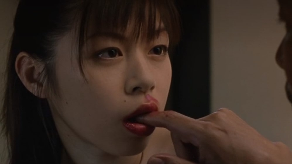 小沢まゆの指舐めシーン