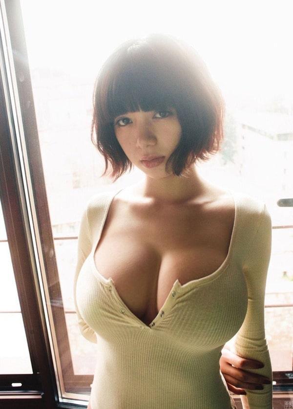 池田エライザのGカップ巨乳おっぱい